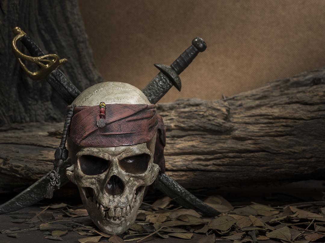 Mutiny on the bounty vs caine mutiny